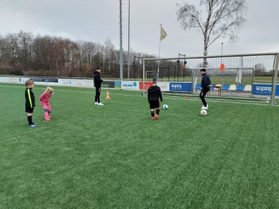Voetbalclinic groot succes